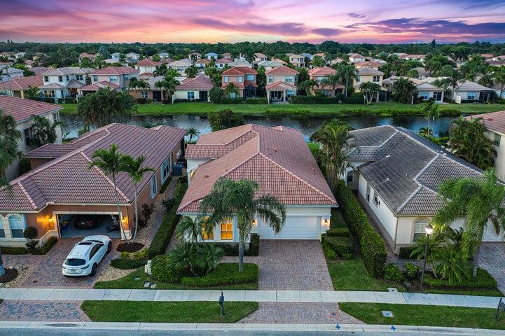 123 Via Condado Way, Palm Beach Gardens, FL 33418