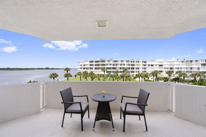 Intracoastal views make this split two bedroom, two bedroom condo in this totally renovated complex a special Palm Beach residence. Relax at the lovely pool overlooking the intracoastal or on the deeded beach across the street. Around the clock doorperson, full time managerand maintenance staff insure your every comfort