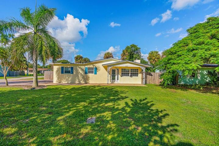 628 SE Dolphin Drive, Stuart, FL 34996