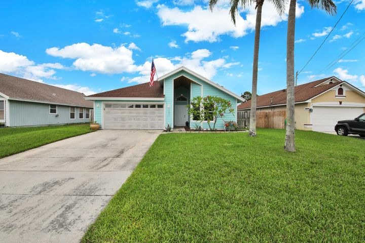 6201 Hollywood Street, Jupiter, FL 33458