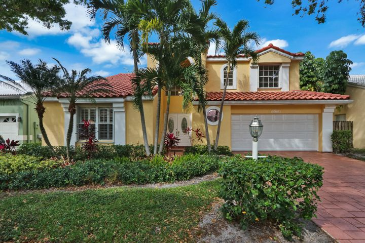 Can't beat this location! Close to Gardens mall, hospital and Dr offices, restaurants and our beautiful beaches. This home can be rented furnished annually for $3,700 and seasonal price is $5,700 per mo. Pets would need to be approved by owner. Siena Oaks has a community pool, tennis courts and clubhouse.