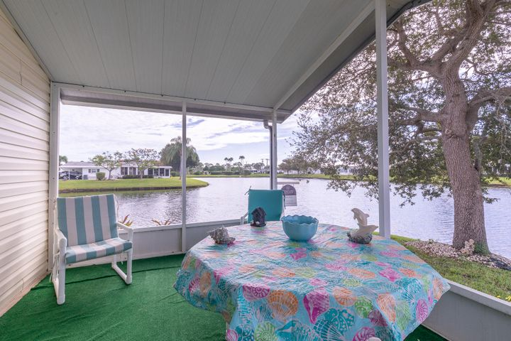 8125 Meadowlark Lane, Port Saint Lucie, FL 34952