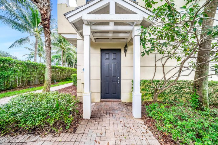 Come see this beautifully remodeled, modern 3 bed / 3.5 bath townhouse with unbelievable upgrades located in the fantastic community of Vistazo in Boca Raton. This amazing 3 story residence features an open kitchen, granite countertops, stainless steel appliances, designer cabinetry, completely renovated bathrooms with custom flooring and tile, brand new water proof laminate flooring and fresh paint throughout. Each bedroom is ''en-suite'' with its own bathroom, two bedrooms have their own walk-in closets and the loft area on the 3rd floor is a perfect space for a home office! The full size washer and dryer is conveniently located on the 3rd floor where the master & 2nd bedrooms are located! All windows are hurricane impact glass! 2 pets up to 70 pounds are allowed. No expense was spared! Conveniently located off of I-95, Vistazo is biking distance to FAU, the beach, and MIZNER! There is a community resort style pool, Jacuzzi, and fitness center for the residents!