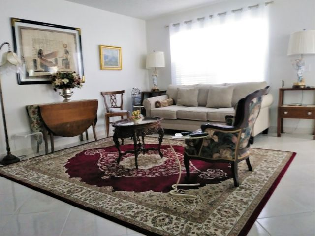 Delightful 2/2 remodeled with open kitchen and updated baths..No waiting period to rent. Washer/Dryer in Unit. NEW HOT WATER HEATER, NEW BOSCH DISHWASHER. LITE & bright 1st floor. parking in front.# 48. White Shaker Cabinets, new vanities and toilets. On dead end street with no thru traffic. . Enjoy the magnificent resort lifestyle of Kings Point, 900 Seat Theater, Indoor and out door pools, 2 restaurants, Gyms, tennis, golf. Come on...let's start living Fantastic Social activities.