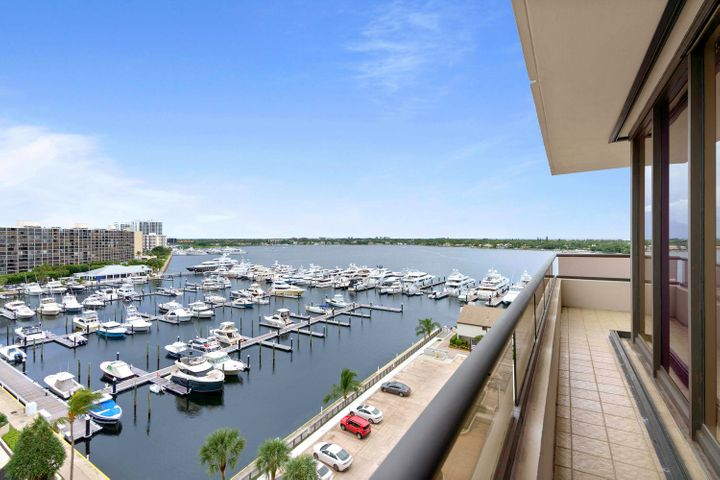 100 Lakeshore Drive, 856, North Palm Beach, FL 33408