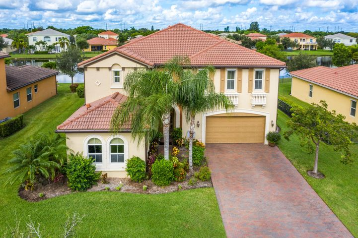 2541 Vicara Court, Royal Palm Beach, FL 33411
