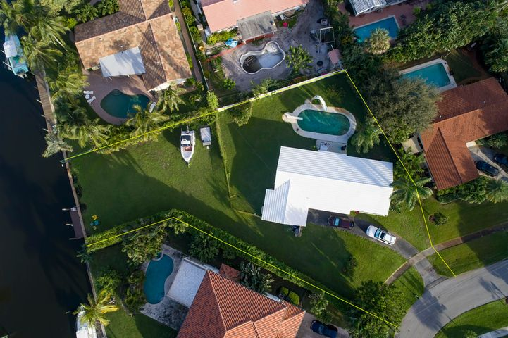 2058 Radnor Court, North Palm Beach, FL 33408