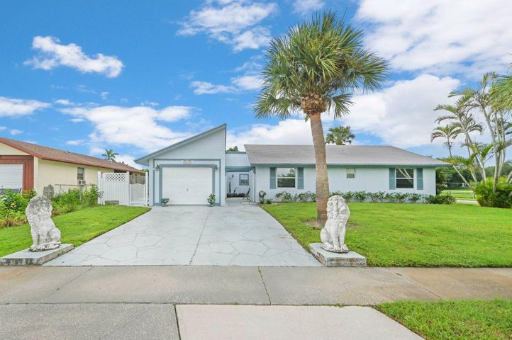 10432 Carmen Lane, Royal Palm Beach, FL 33411