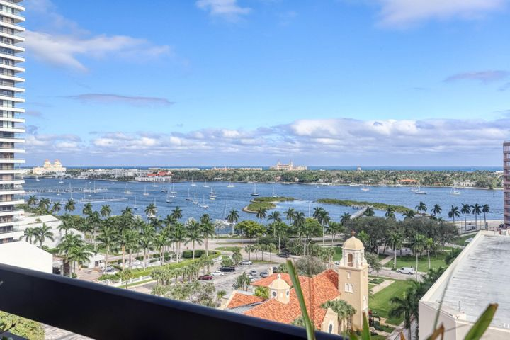 Fantastic Views of Ocean, Intracoastal and Palm Beach Island