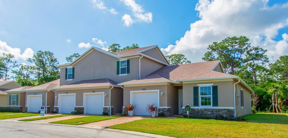 956 NE Trailside Run, Port Saint Lucie, FL 34983