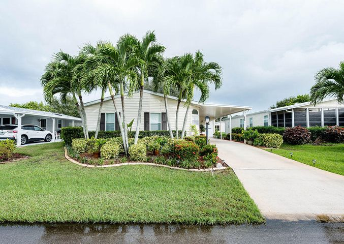 3808 Spatterdock Lane, Port Saint Lucie, FL 34952