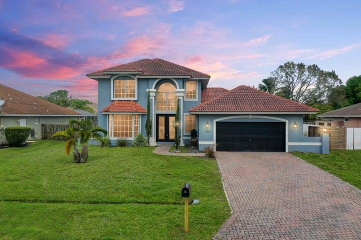 525 SW College Park Road, Port Saint Lucie, FL 34953