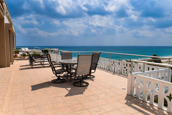 Bright 3BR/2BA penthouse with breathtaking ocean views, expansive balcony (629 SqFt) and 10' ceilings. Perfect for entertaining with convenient in-town location. Full service building with private beach access, 2 parking spaces, gym, pool, etc. Available immediately.