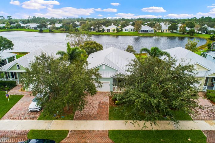 603 NE Canoe Park Circle, Port Saint Lucie, FL 34983