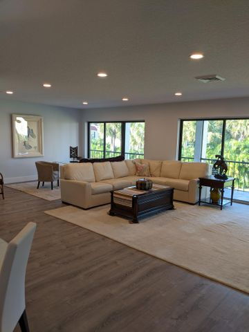 1707 Consulate Place, 202, West Palm Beach, FL 33401