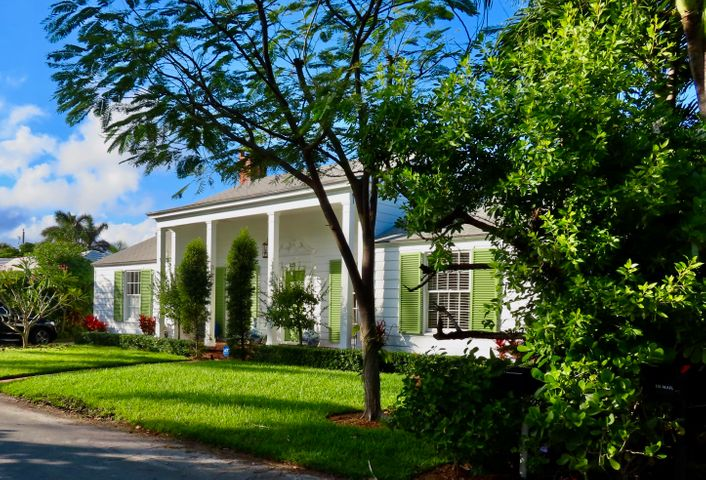Fantastic value on Palm Beach! The White House cottage on the tranquil North End. Rare, deeded beach access with a lovely dining cabana and shower, along with a deeded day dock on the Lake Trail at Queens Lane. The cottage is renovated, featuring two bedrooms and two baths, with a new washer and dryer. Large kitchen and loggia overlooking the private garden and heated pool. One car garage with room for bikes and surfboards. Unfurnished