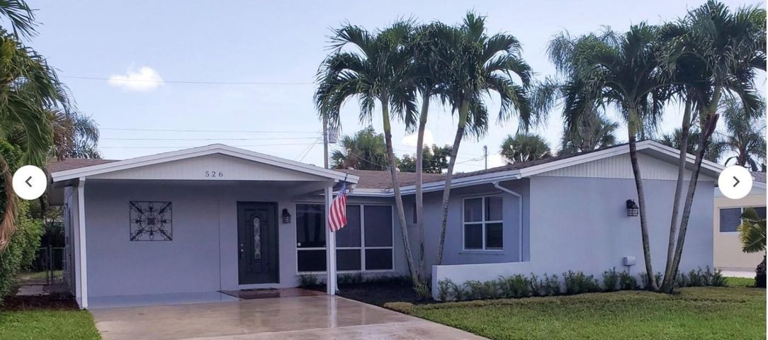 Beautiful Private home.House has been remodeled, gorgeous new kitchen, beautiful new floors throughout the house, both bathrooms upgraded, spacious private fenced in back yard. Huge family room and formal living room, eat in kitchen.new paint interior and exterior.MUST SEE