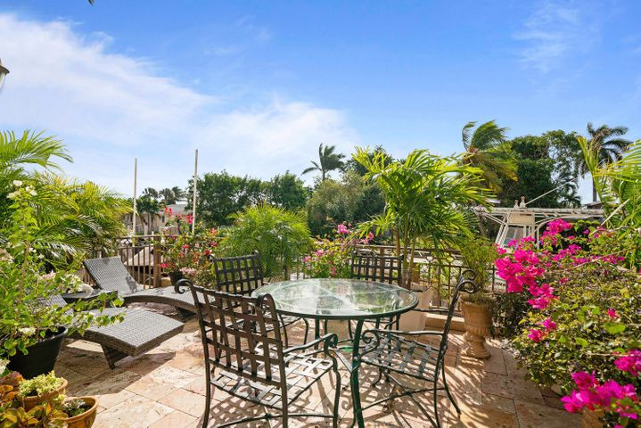 Beautiful terrace overlooking the dock and Intracoastal canal