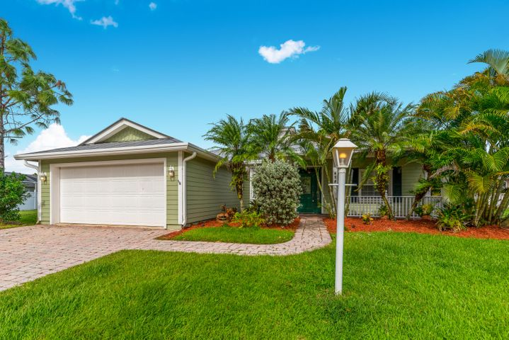 628 NE Muskrat Run, Port Saint Lucie, FL 34983