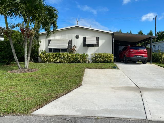 8101 SE Homestead Avenue, Hobe Sound, FL 33455