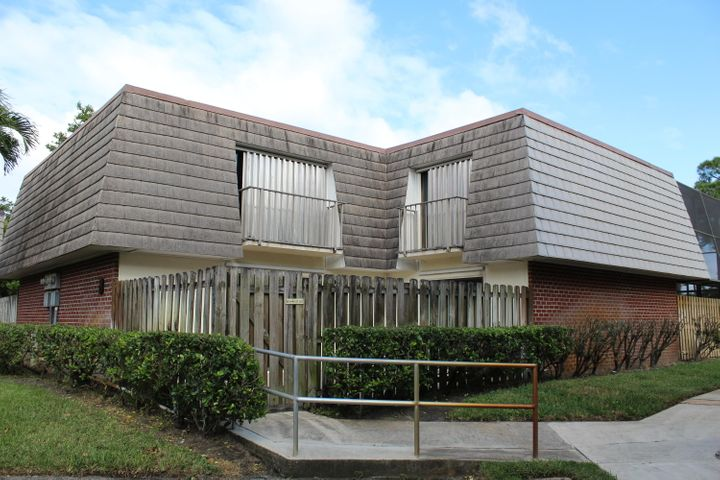 3120 SE Brook Street, Stuart, FL 34997