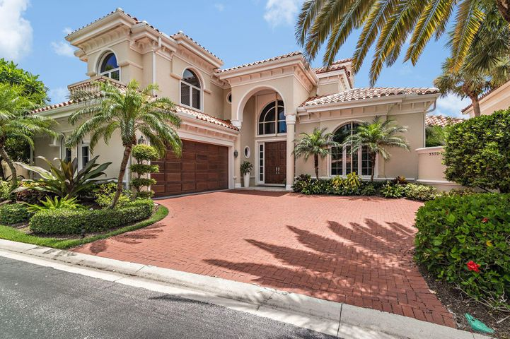 3370 Bridgegate drive is a waterfront, five-bedroom plus den Mediterranean estate home, with a pool and spa. No expense was spared when the home was extensively remodeled in 2014-2015. There are two master bedrooms, one on each level, as well as a private, fifth bedroom suite, located above the garage. The dock is in stellar condition and has been inspected by a Marine Contractor. The private, protected, deep water dock can accommodate a vessel up to 58'. Five bedroom homes with a den on navigable water is a rare find in Jonathan's Landing.
