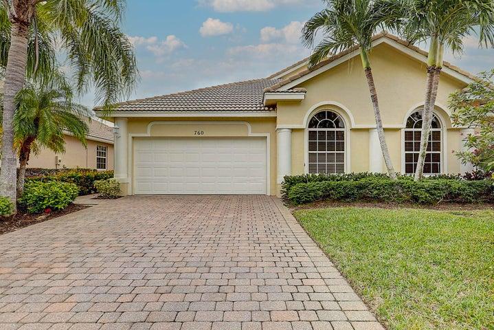 760 NW Red Pine Way, Jensen Beach, FL 34957