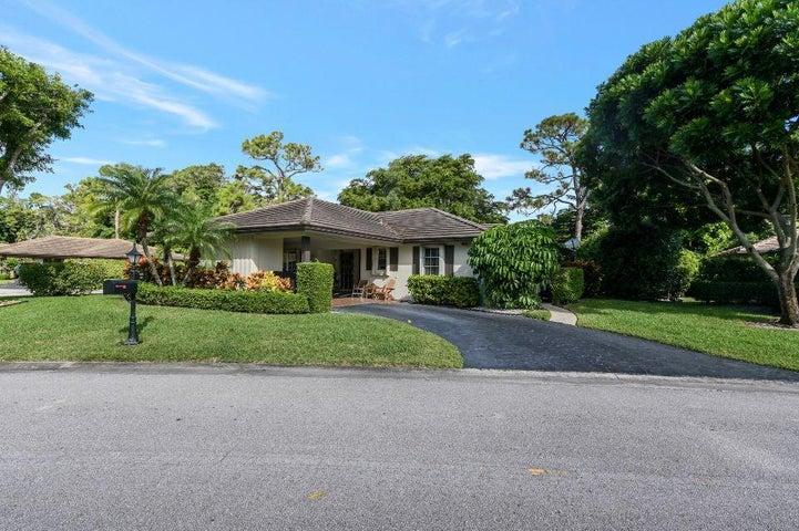 535 Forestview Drive, Atlantis, FL 33462
