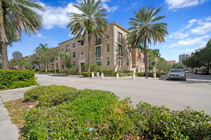 580 S Sapodilla Avenue, 302, West Palm Beach, FL 33401