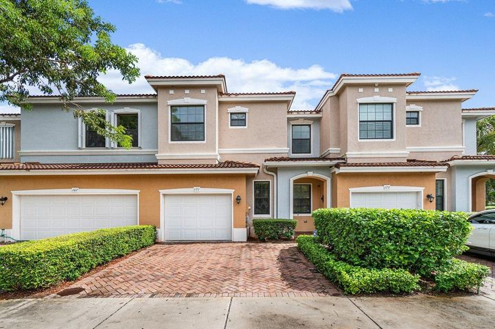 THIS AMAZING 3BD 2.1BA TOWNHOUSE LOCATED IN THE HEART OF DELRAY BEACH IS SITTING ON A LAKE LOT IN THE MOST SOUGHT OUT, PET FRIENDLY, GRAMERCY SQUARE COMMUNITY.  GRANITE COUNTERS AND STAINLESS APPLIANCES IN THE KITCHEN. NEUTRAL TILE ON THE MAIN LEVEL AND NEW WOOD LIKE TILE INSTALLED UP THE STAIRS AND THROUGHOUT THE SECOND LEVEL.  AC IS 2019 AND INCLUDES A HOSPITAL GRADE PURIFICATION SYSTEM.  HARD WIRED ETHERNET IN THE LIVING ROOM AND 1 BEDROOM.  CUSTOM CLOSETS IN ALL BEDROOMS. UNIT IS DIRECTLY ACROSS FROM THE FITNESS CENTER WHICH OFFERS TONS OF EXTRA PARKING.HOA INCLUDES CABLE, EXTERIOR BUILDING INSURANCE, ROOF MAINTENANCE, LANDSCAPING, COMMUNITY POOL, FITNESS CENTER AND PLAYGROUND.  MINUTES AWAY FROM DOWNTOWNATLANTIC AVENUE, BEACH, ''A'' RATED SCHOOLS, HOSPITAL & SHOPPING CENTERS.