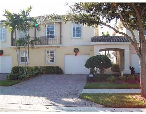 Beautiful 3 bedroom, 2.5 bathroom LAKEFRONT townhome in Palm Beach Gardens. Two stories, excellent floor plan with garage, screened porch facing the sparkling lake, located near shopping, dining, and close access to I-95 and Turnpike. Call today for showing!
