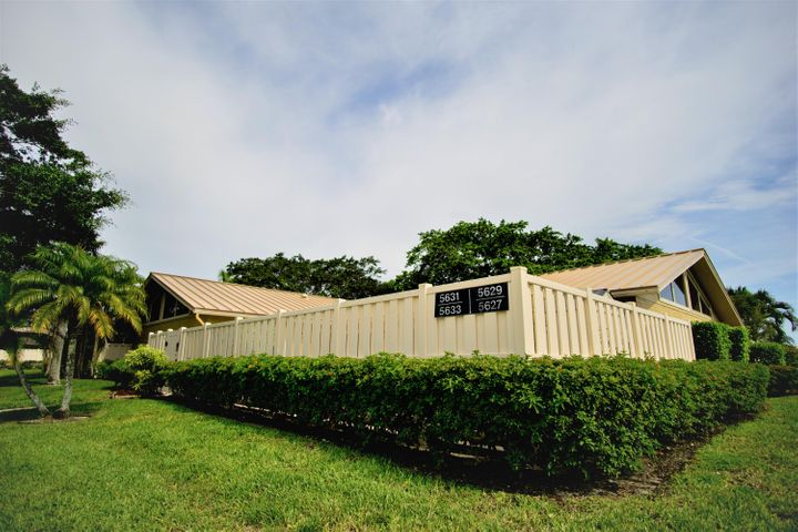 Great location! This light and bright villa in the heart of Palm Beach Gardens consists of three bedrooms and two baths with a split floor plan. Kitchen was renovated in 2017 including granite counters and backsplash. Newer A/C (6/2017) and metal roof (2017). Enjoy the beautiful South Florida weather with a spacious fenced in patio with an outdoor shower and storage shed. Westwood Gardens is a quiet community with beautiful tree lined streets and sidewalks, pools, and tennis courts. More photos coming soon
