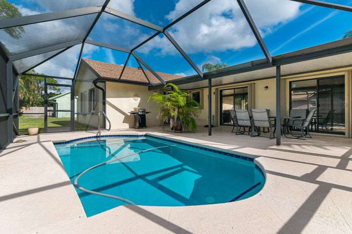 101 Sherwood Drive, Royal Palm Beach, FL 33411