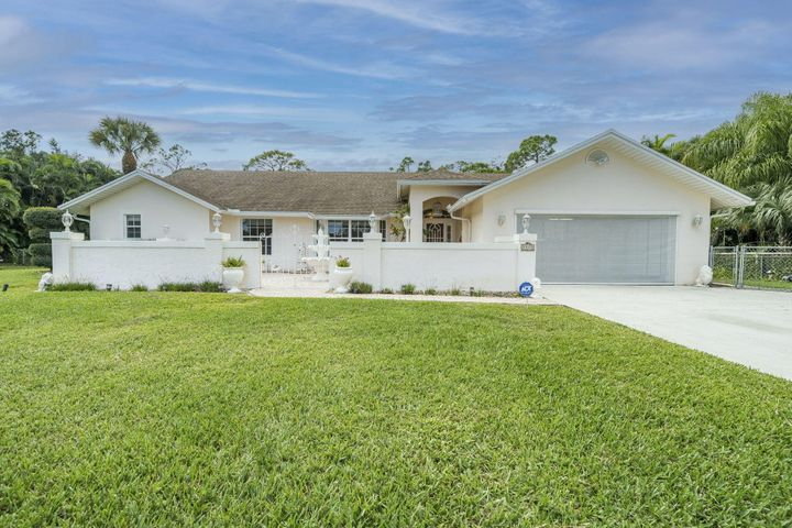 Welcome to your new 1+ Acre Pool home with 4/2/2 + 2 Bonus Rooms, Single Story, and fully fenced backyard!