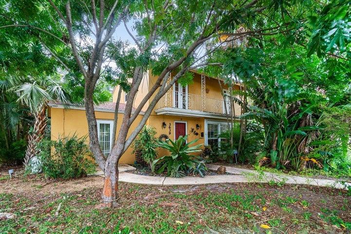 3639 Paseo Navarra, West Palm Beach, FL 33405