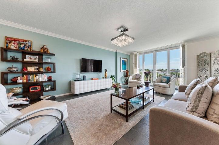 790 Andrews Avenue, C-305, Delray Beach, FL 33483