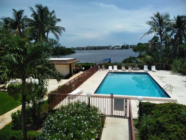 Shoreside Pool by the intracoastal