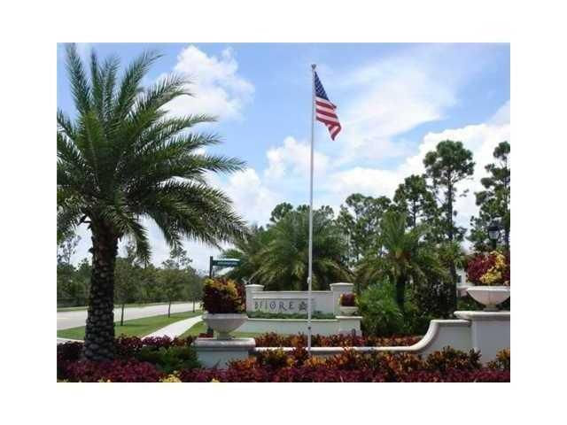 SECOND FLOOR, ONE BEDROOM ONE BATHROOM WITH BONUS SUNROOM A TOTAL OF 884 SQ FT LIVING SPACE IN GATED COMMUNITY. ****OWNER WILL INSTALL NEW CARPET IN CONDO***.FIORE AT THE GARDENS IS A LOVELY COMMUNITY LOCTAED IN CENTRAL PALM BEACH GARDENS MINUTES FROM THE BEACH,  AND SHOPPING. RESORT STYLE COMMUNITY POOL, CLUBHOUSE, FITNESS ROOM, PLAYGROUND, AND PUTTING GREEN.