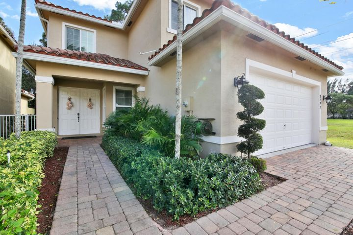 8127 Mariposa Grove Circle, Royal Palm Beach, FL 33411