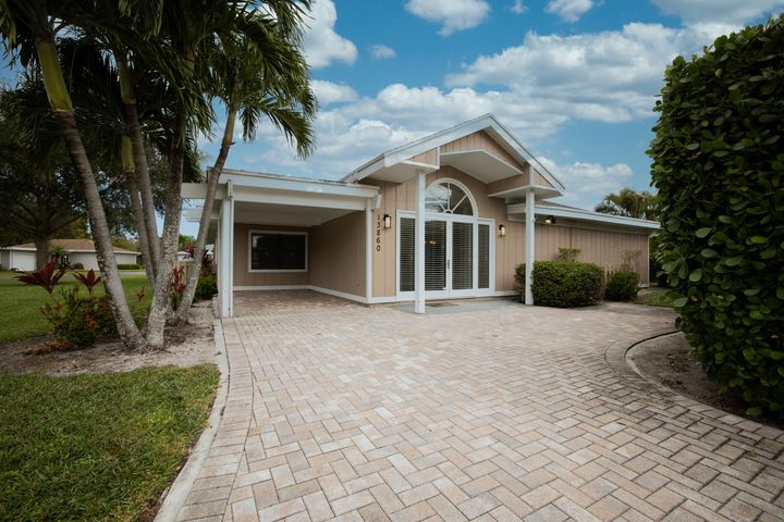 13860 Whispering Lakes Lane, West Palm Beach, FL 33418