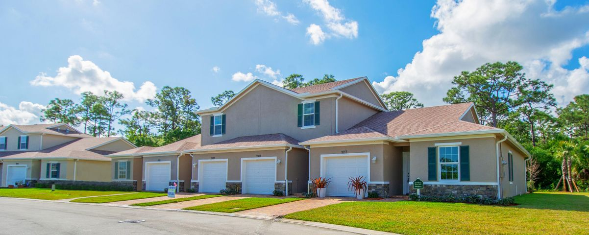 962 NE Trailside Run, Port Saint Lucie, FL 34983