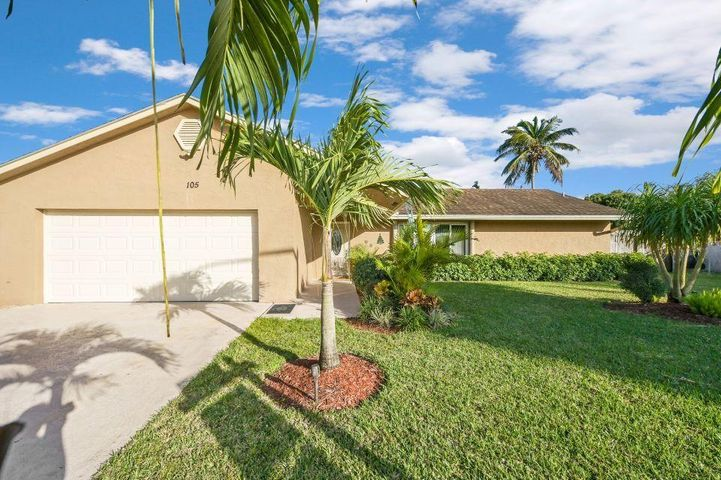105 Sunflower Circle, Royal Palm Beach, FL 33411