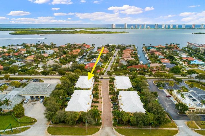 205 Mariner Court, North Palm Beach, FL 33408