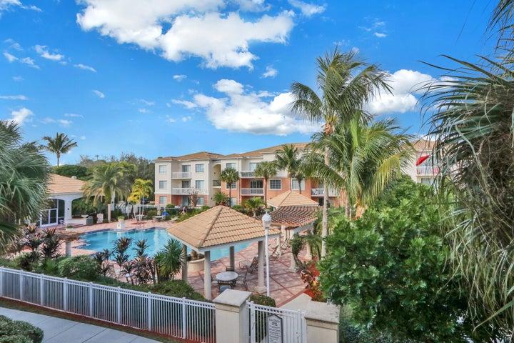 5305 Myrtlewood Circle E, Palm Beach Gardens, FL 33418