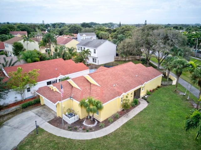 82 Sandpiper Way, Boynton Beach, FL 33436