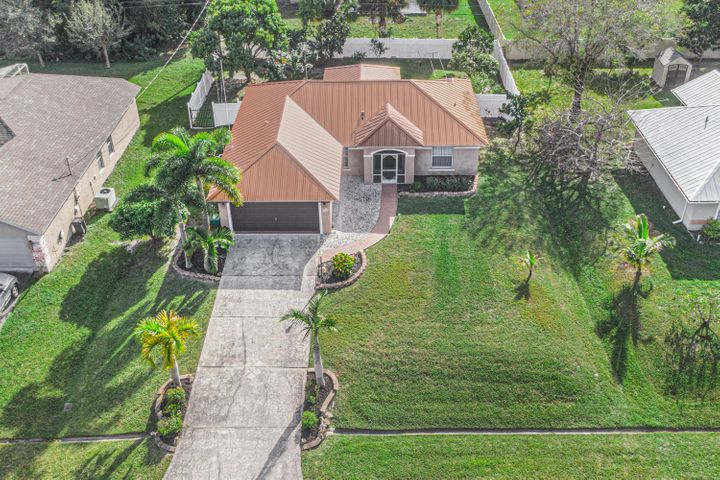 1342 SW Leisure Lane, Port Saint Lucie, FL 34953