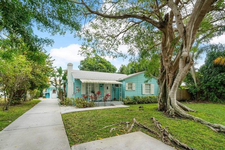 137 N Swinton Avenue, Delray Beach, FL 33444