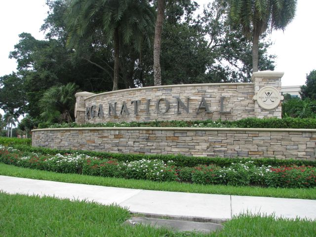 Come Enjoy the Best of Florida in the Highly Sought after PGA National Community. Home of the Honda Classic. This Lovely 2 Bedroom, 2 Bath Unit is Spotless!!!!  The unit is light and bright, nicely furnished & decorated, turnkey with brand new appliances. Dunbar Woods subdivision has a large sparkling clean pool. Booking now for Season 2022. Golf available though the community tenant to pay for playing golf and any fees.