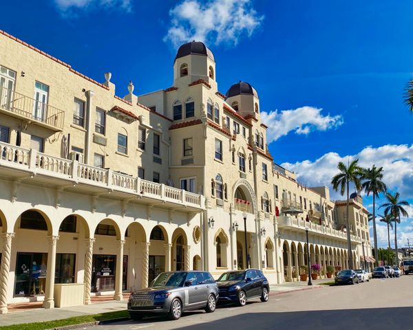 Come see this updated light and bright one bedroom / one bath suite at the historic Palm Beach Hotel. The hotel was constructed in 1923 and is situated in the heart of Palm Beach, just  blocks from the beach and steps away from world-class restaurants and shopping. The building has its own Pool, Gym, Spa, laundry services as well as a 24-Hour doorman. No rental restrictions make it possible to rent this apartment out for the year, month or night.  Don't miss out on your chance to own a piece of history. Set up your showing today.