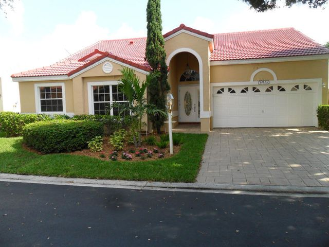 Beautifully updated 4 bedroom 2.5 bath 2 car garage one-story home in Siena Oaks, Palm Beach Gardens!  No Stairs!  Granite counters with stainless appliances, updated flooring, vanities and fixtures in baths.  Fully fenced yard.  Owner will consider pets.  Cable TV and internet are included in the rent.  Available March 1, 2021.